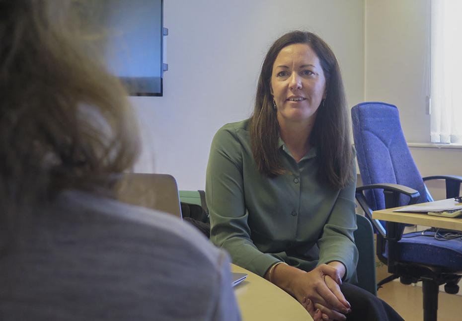 Rektor Calina Folme är glad över att Närhälsan erbjuder vaccination på Angeredsgymnasiet.