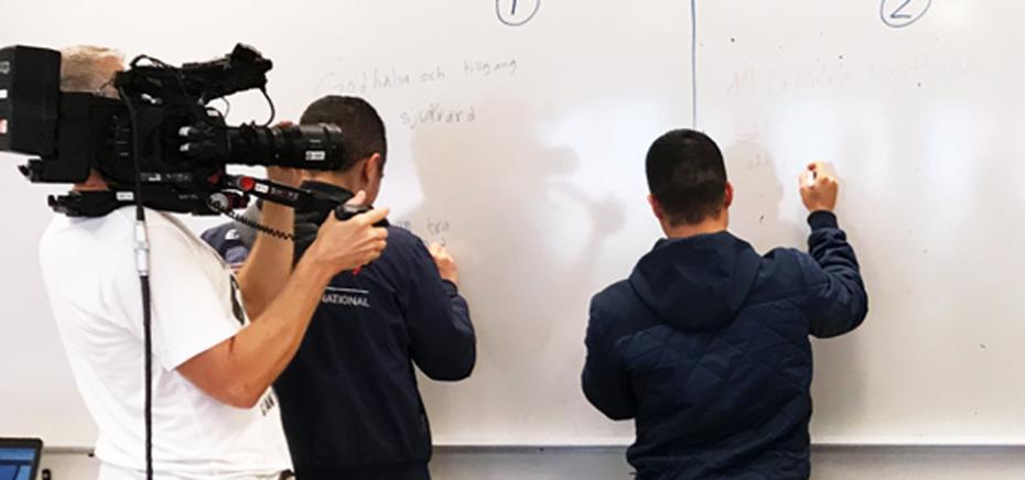 """UR """"Lärlabbet"""" filmar en lektion."""